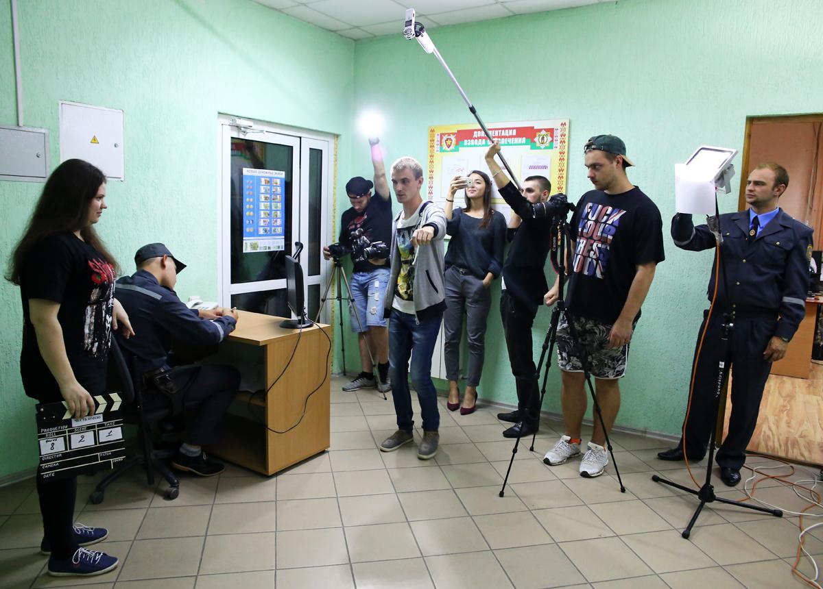 Съёмочная группа. Фото: Евгений ТИХАНОВИЧ