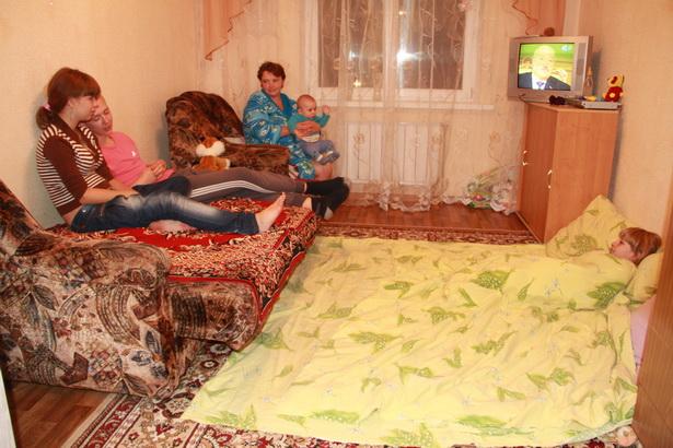 Комната, где приходилось ютиться многодетной семье Козенковых, октябрь 2012 года. Фото: архив Intex-press