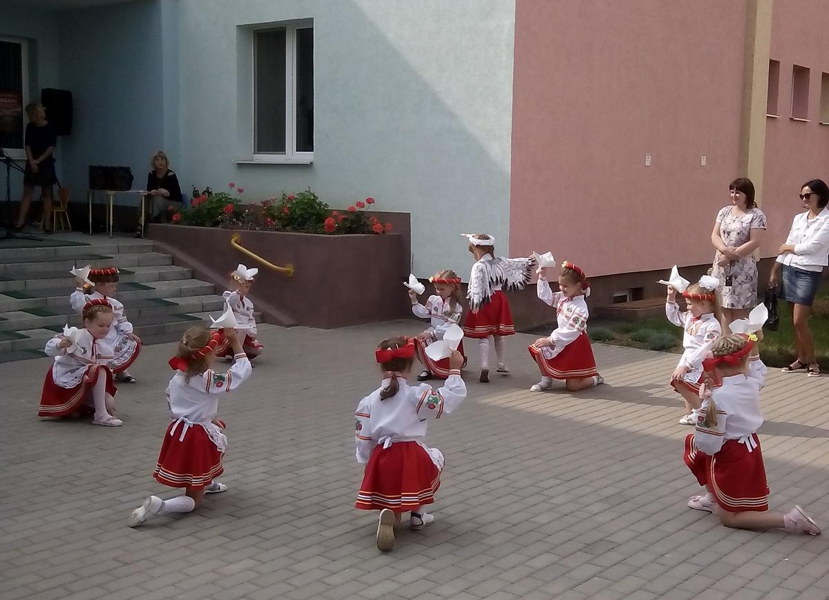 Детское представление. Ясли-сад №8 (Боровки). Фото: Руслан РЕВЯКО