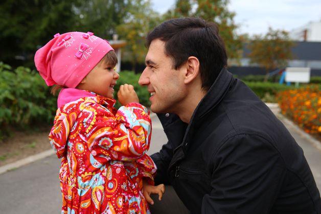 Евгений Ковалев с дочкой Александрой. Фото: Евгений ТИХАНОВИЧ