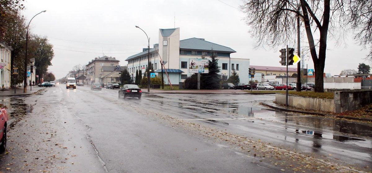 Когда в Барановичах починят светофоры у старого парка