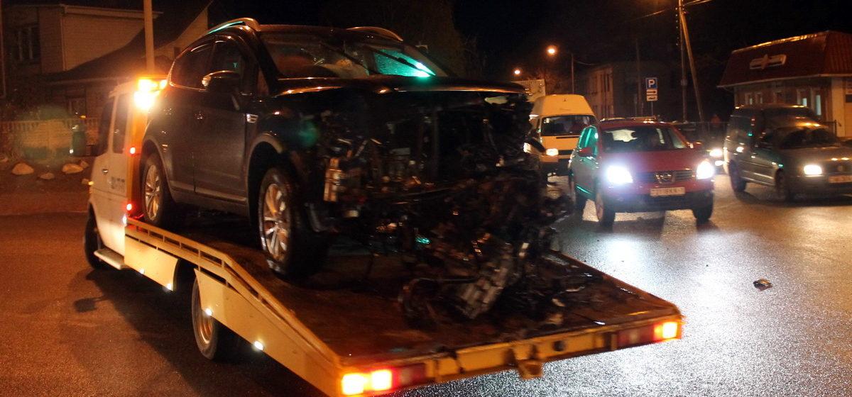 В Барановичах столкнулись три автомобиля – пострадали два человека