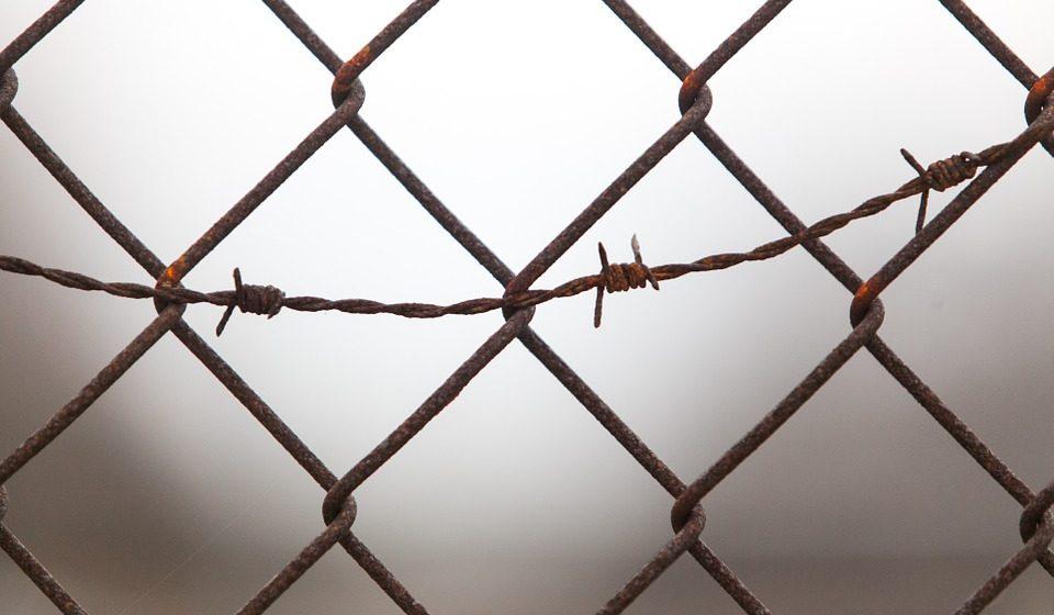 В Могилеве суд приговорил к 20 годам лишения свободы мужчину, который до смерти избил 4-летнюю дочь своей сожительницы