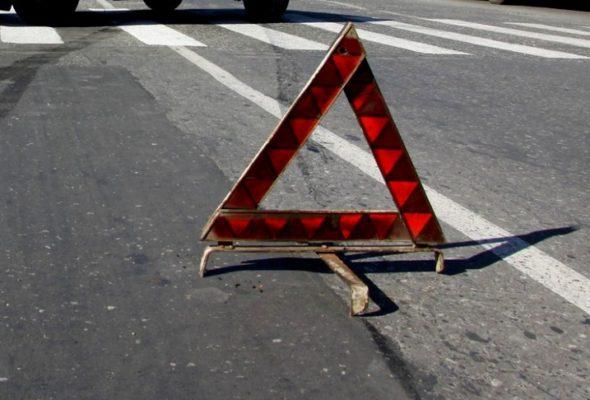 В центре Барановичей на пешеходном переходе кроссовер сбил женщину