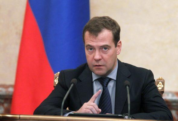 Дмитрий Медведев приедет в Минск обсудить оплату за газ