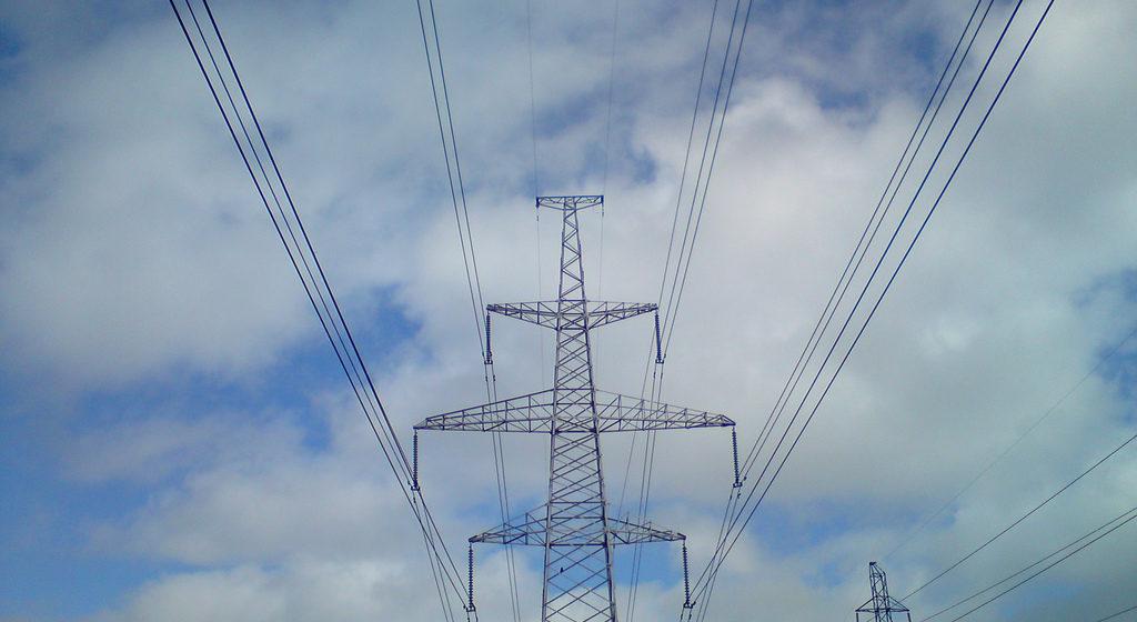 В Барановичах сильный ветер стал причиной более 25 обрывов на линиях электропередачи