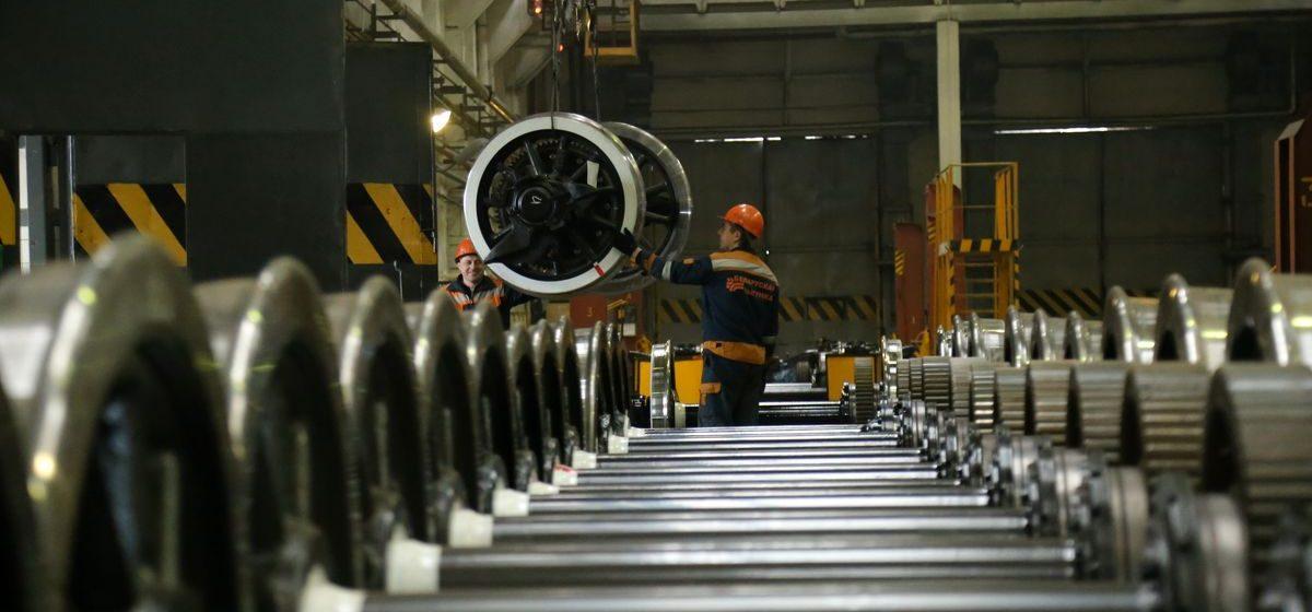 Как в Барановичском локомотивном депо ремонтируют поезда (фоторепортаж)