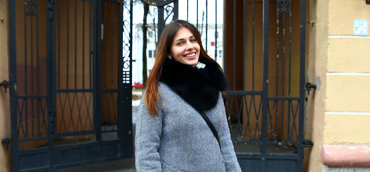 Модные Барановичи: Как одеваются фотограф и студентки