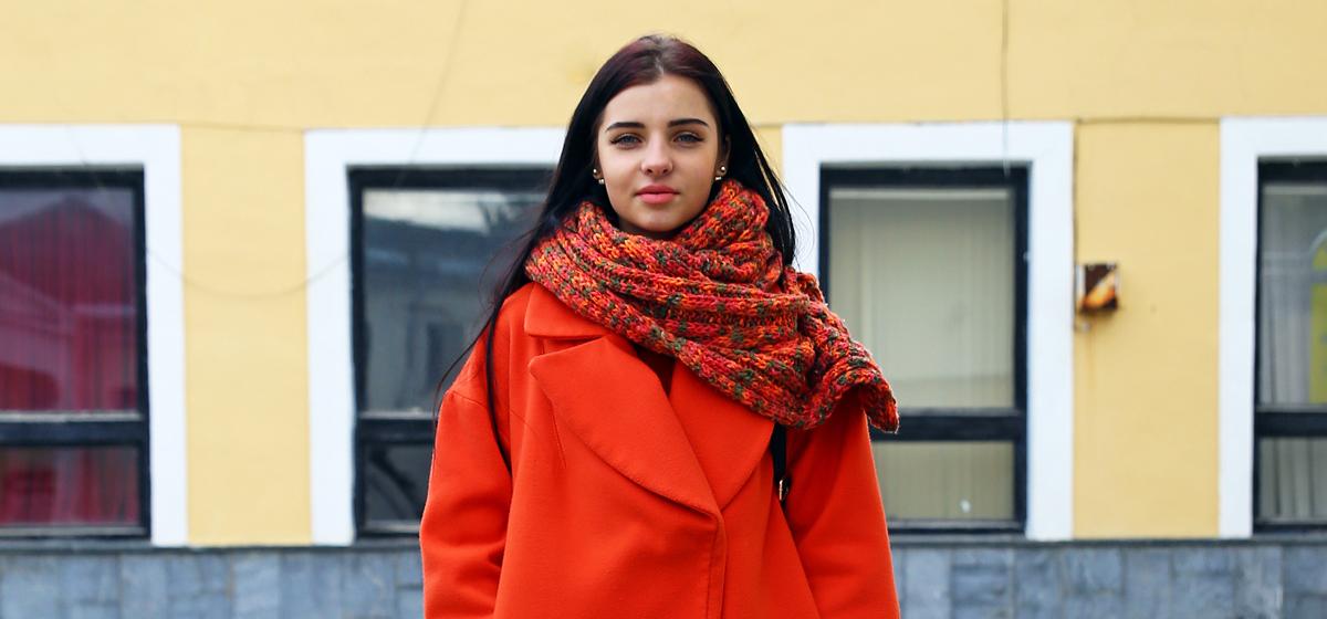 Модные Барановичи: Как одеваются студентки и безработный