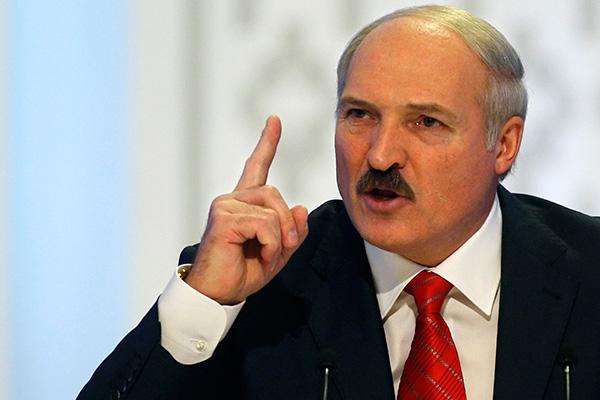 Лукашенко потребовал прекратить вырубку деревьев в городе