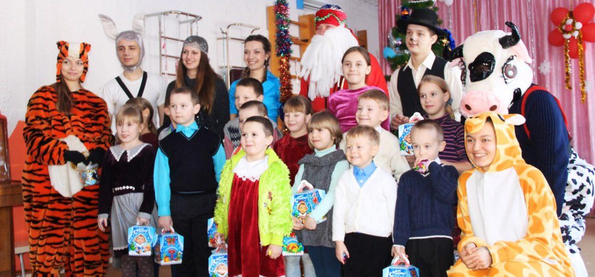 Барановичские велосипедисты готовят праздник для детей из приюта