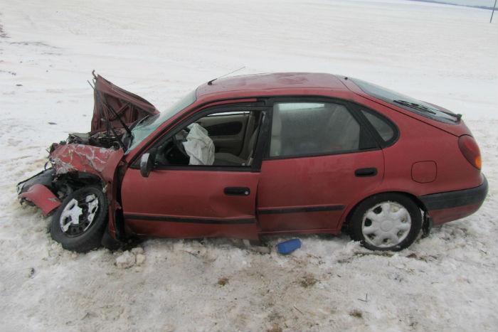 На трассе М1 жительница Барановичей на Toyota Corolla врезалась в бус