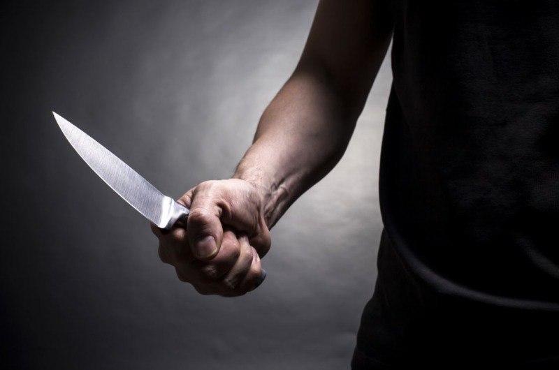 В Барановичах пьяный мужчина напал с ножом на человека