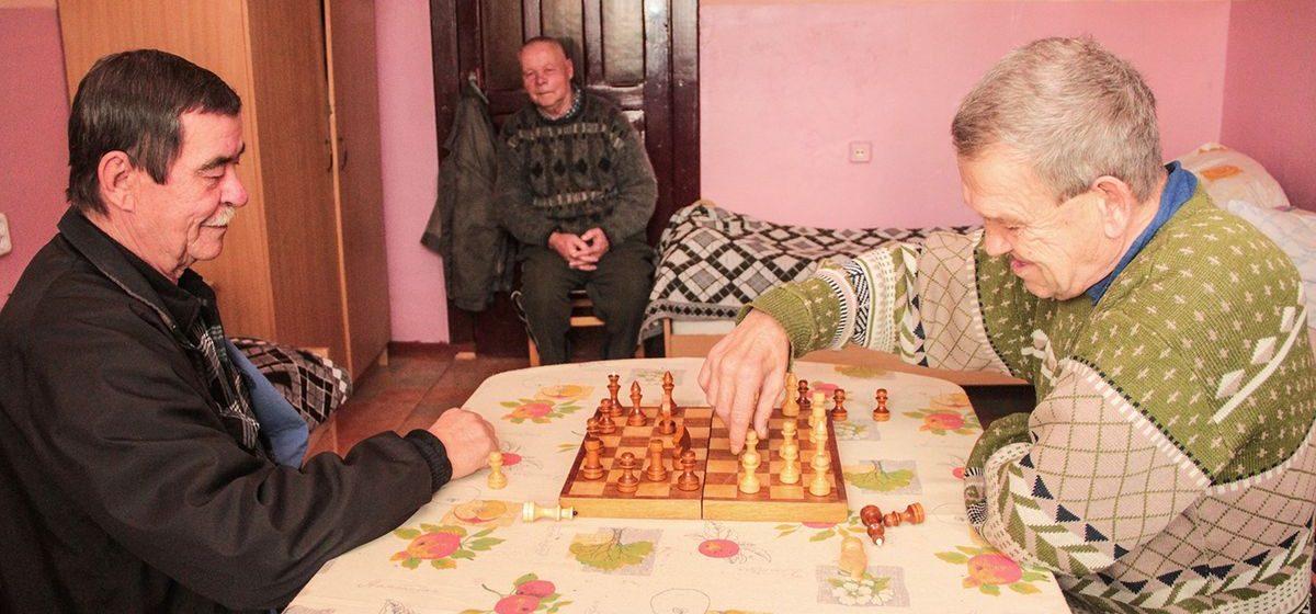 О каких подарках на Новый год мечтают одинокие пенсионеры из Леснянского дома-интерната