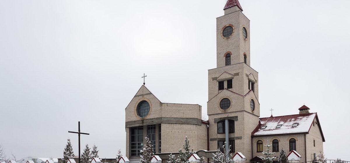 Расклад святочных набажэнстваў 24–25 снежня 2016 года ў Баранавічах