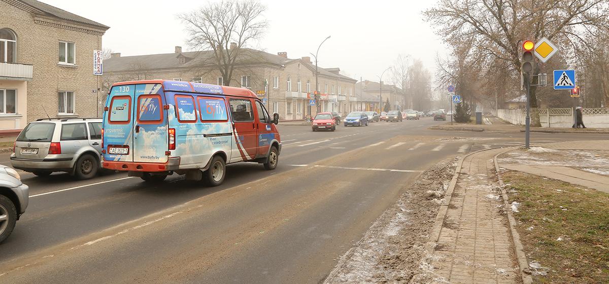 В Барановичах на перекрестке улиц Баранова и Войкова изменилась работа светофоров