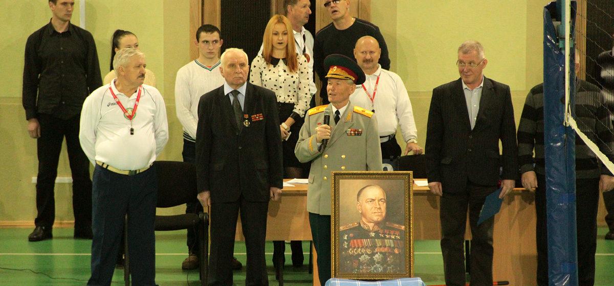 В Барановичах начался мужской турнир по волейболу