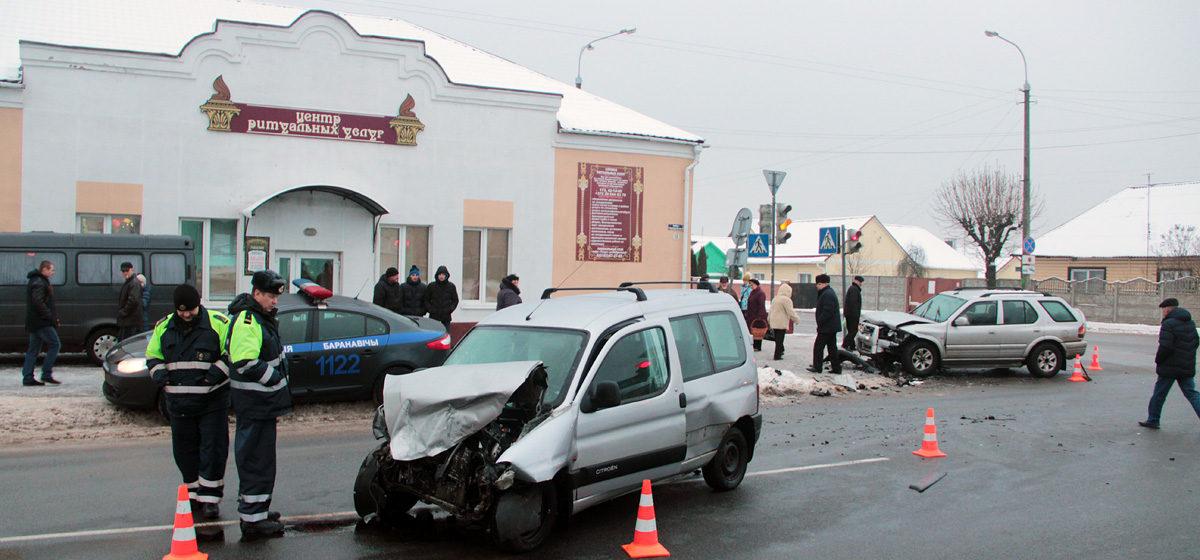 Стали известны подробности аварии на улице Чернышевского