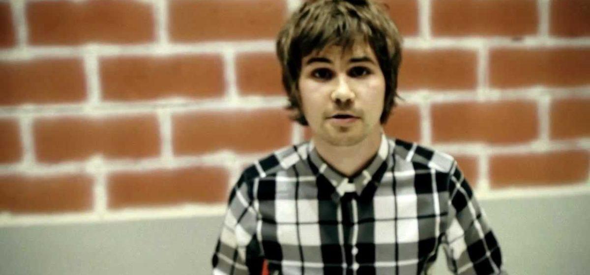 Обломов Вася написал песню про боярышник