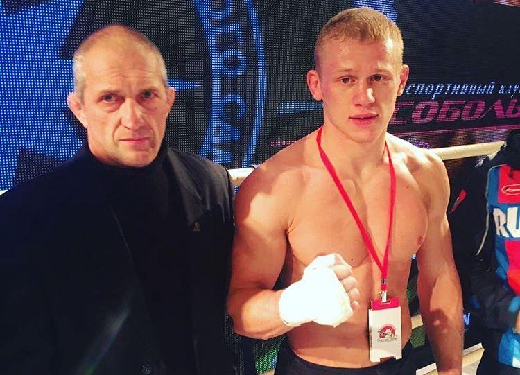 Боец из Барановичей выиграл бой за звание «Король ринга» в Санкт-Петербурге