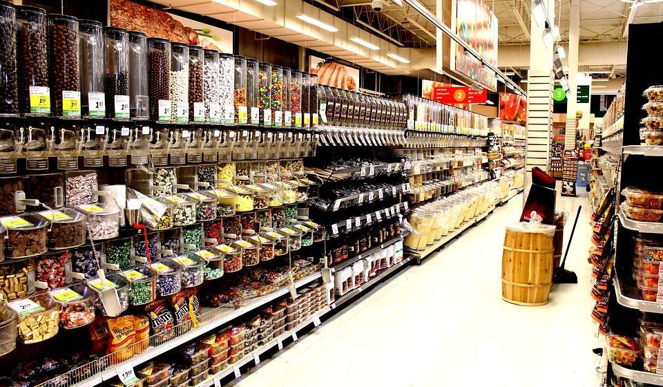 Белорусы тратят на рынках и в магазинах в среднем по 309 рублей в месяц