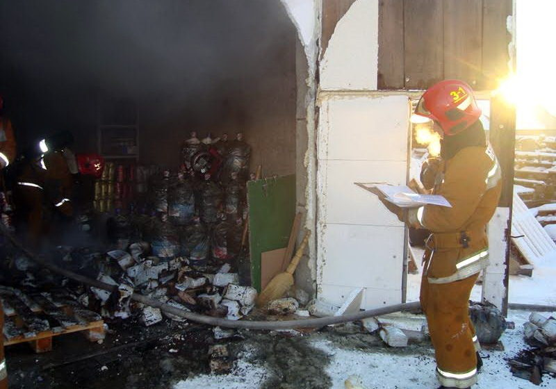В Барановичах горел гараж предпринимателя