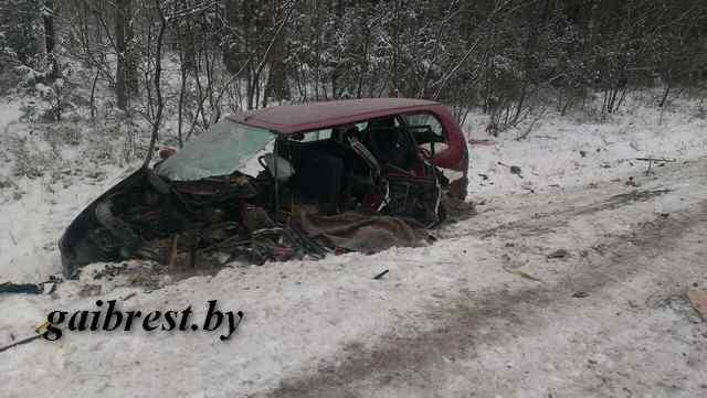 В Барановичском районе в лобовом столкновении погиб водитель