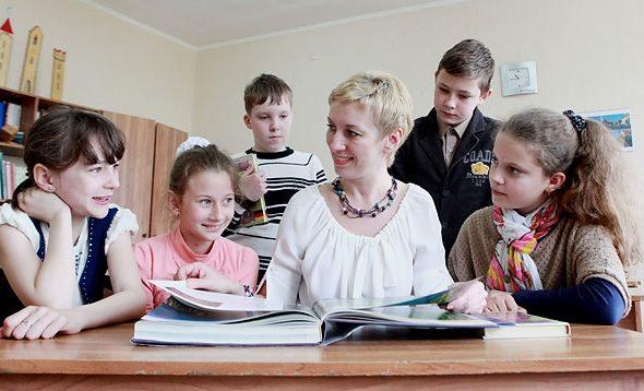 Министр образования рассказал, чем должны заниматься родители, дети и учителя в субботу в школе