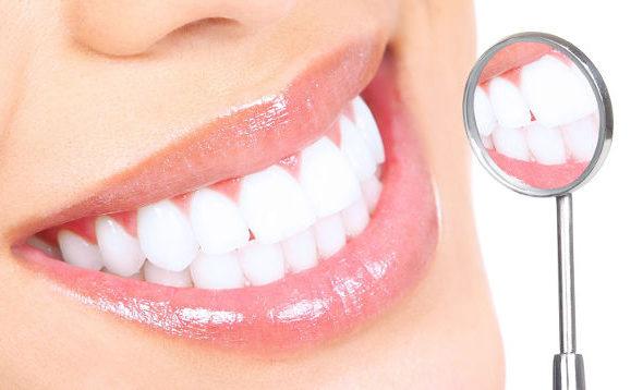 Ученые научились лечить зубы без пломб