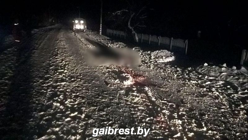 ВПинске два водителя авто ВАЗ иУАЗ переехали 63-летнюю женщину