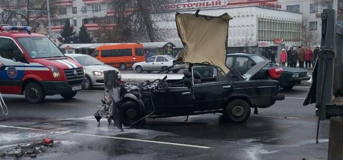 В Бресте водитель автомобиля «ВАЗ» попал в реанимацию после ДТП с грузовиком