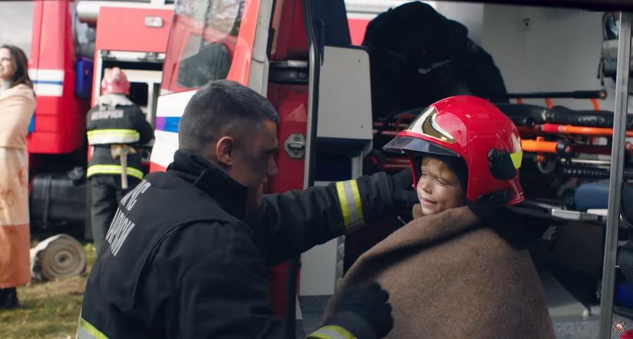 Ко Дню спасателя МЧС Беларуси представило имиджевый ролик