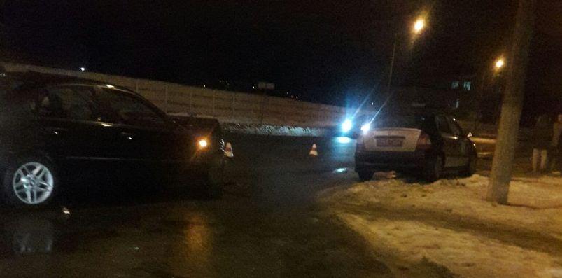 Фотофакт: В Барановичах столкнулись BMW и Skoda