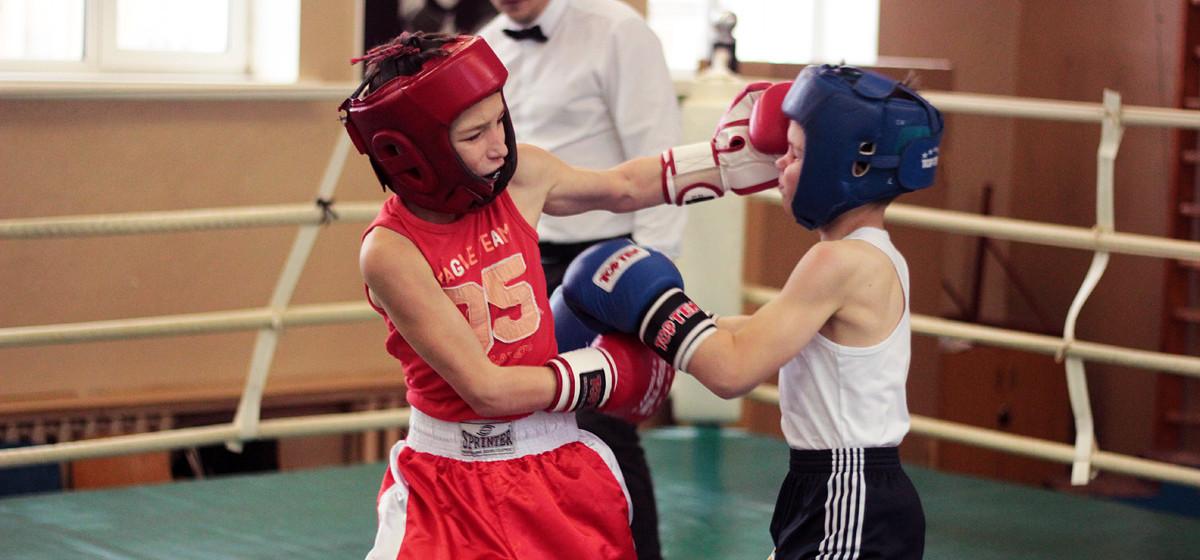 Десять юных барановичских боксеров выиграли турнир памяти мастера спорта Антона Берната