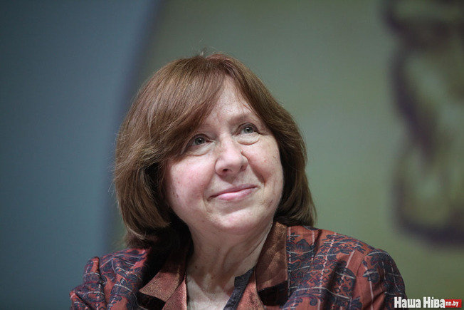 Светлана Алексиевич заявила, что покинет российское отделение ПЕН