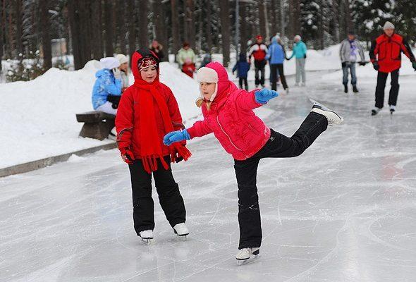 Где и когда в Барановичах можно покататься на коньках?