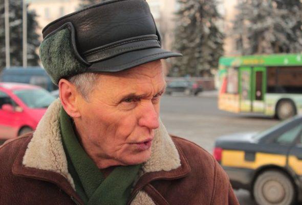 В Барановичах Николай Черноус провел пикет, требуя отменить декрет на тунеядство