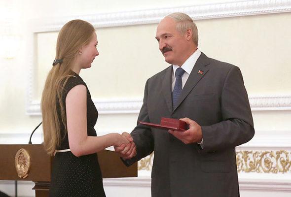 Барановичская талантливая молодежь получит стипендии от президента