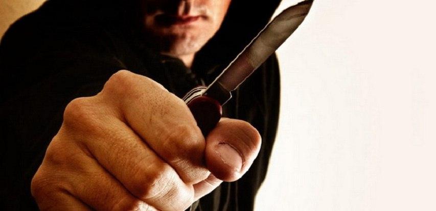 Под Новогрудком 18-летний парень напал с ножом на 84-летнюю старушку