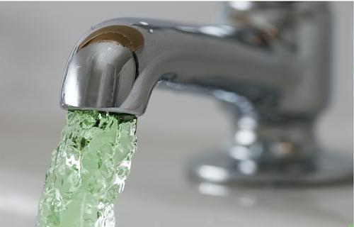 У жителей Барановичей из кранов может политься зеленая вода