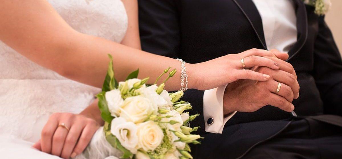 С кем из иностранцев вступили в брак жители Барановичей в 2016 году