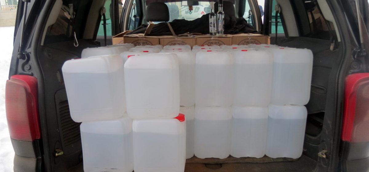 Под Минском барановичские милиционеры задержали машины, перевозившие 1400 литров спирта