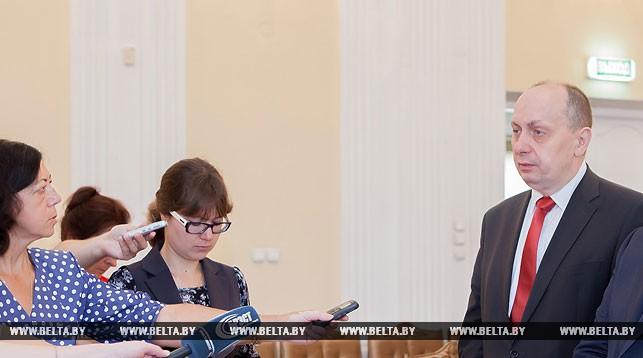 До конца февраля предприятия Минпрома должны подготовить планы по выходу зарплаты на 500 долларов