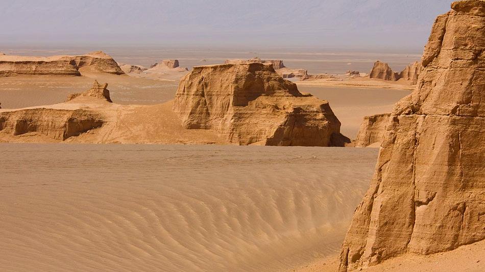 В Иранской пустыне нашли уникальные породы внеземного происхождения