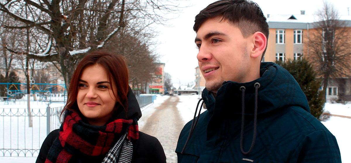 Видеоопрос: Как вы относитесь к тому, что Россия вводит режим пограничного контроля на границе с Беларусью?