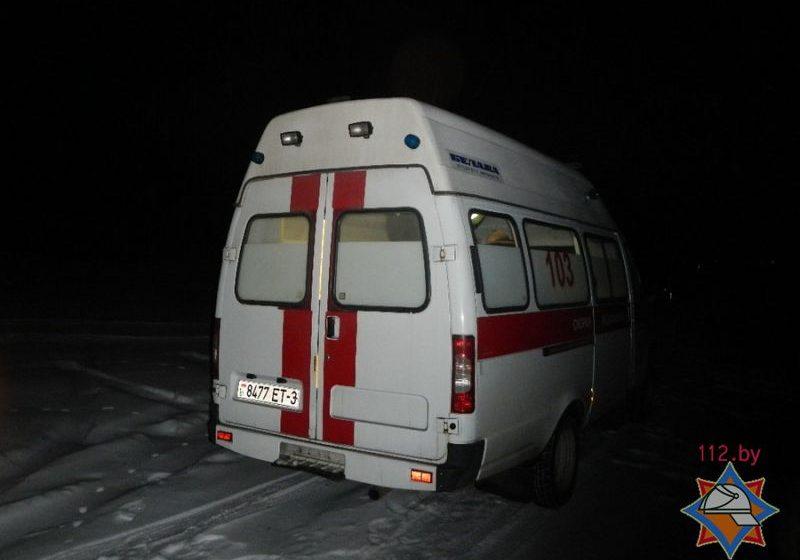 В Речице спасатели сняли с льдины женщину