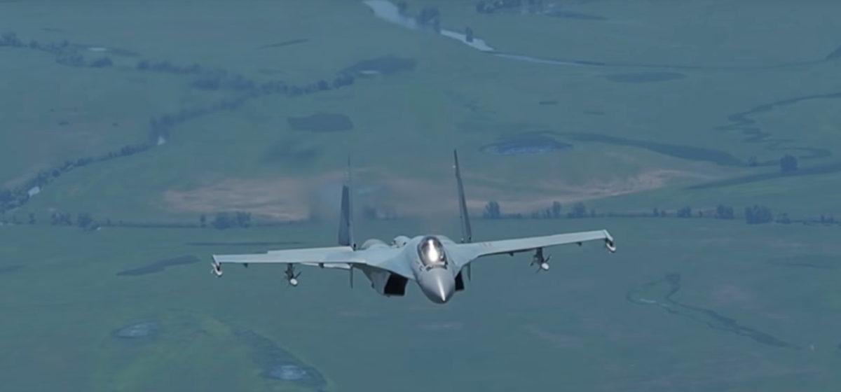 Появилось видео полета истребителя поколения 4++