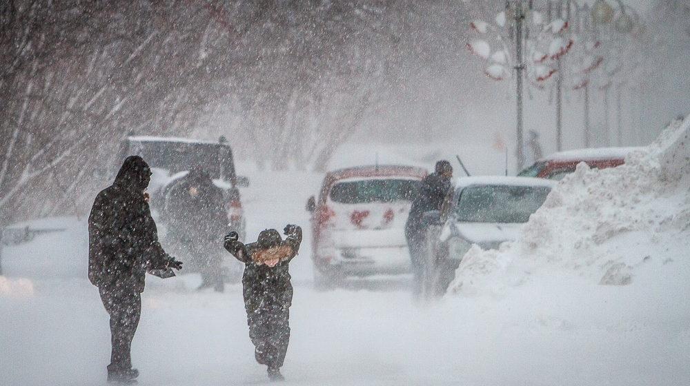 На машинах лучше не ездить. В воскресенье, 16 декабря, в Беларуси ожидаются сильные снегопады