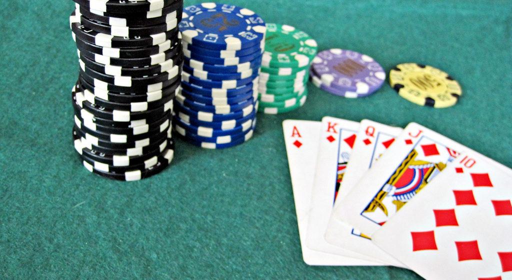 Налоговая инспекция: чаще других декларацию забывают подать игроки в онлайн-покер