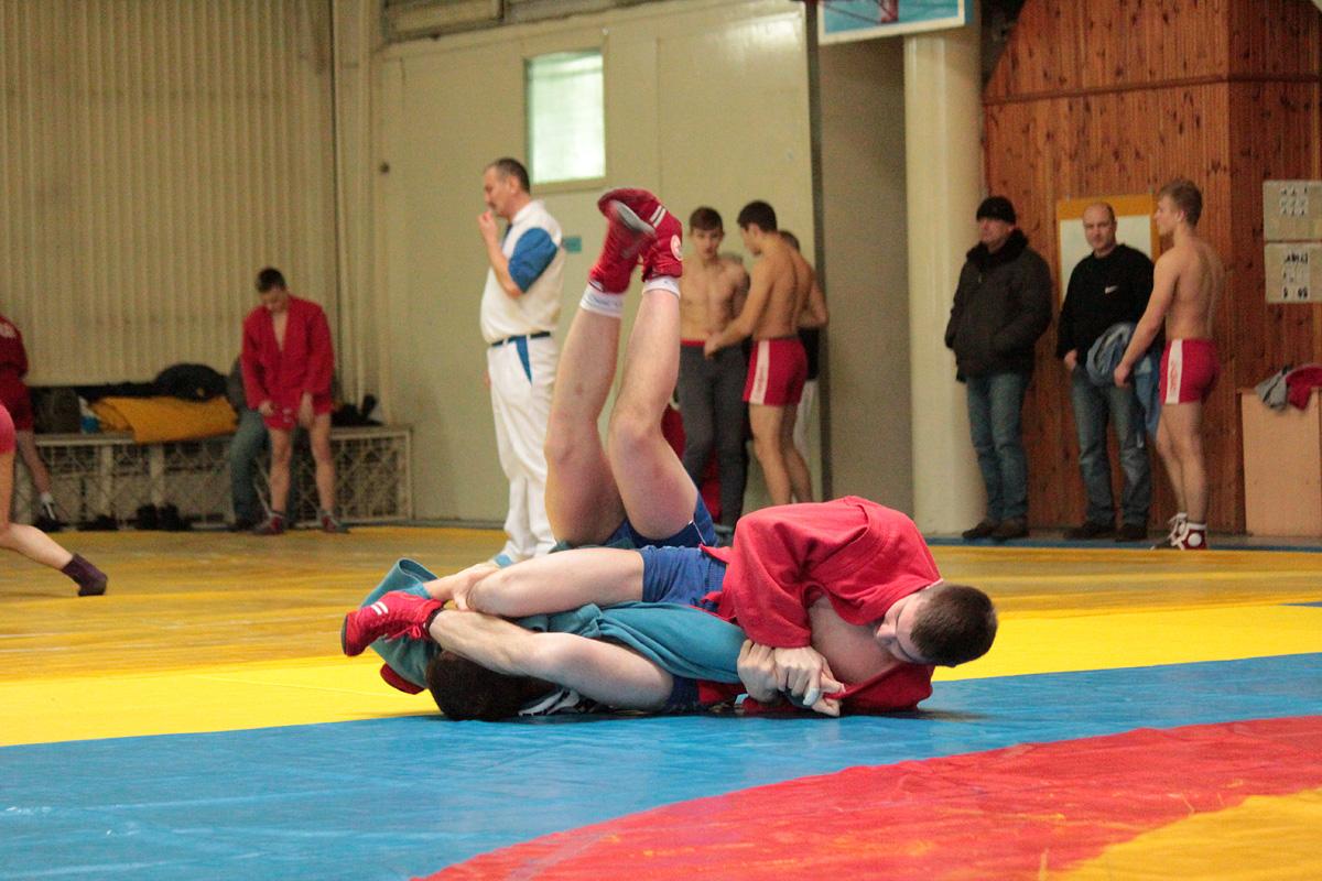 Самбистка изГрайворона завоевала серебро главенства РФ